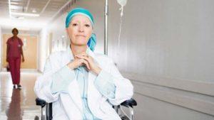 Женщина с онкологией